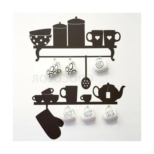 Küchenwandgestaltung-mit-kreativer-wandbemalung-braune-tassen