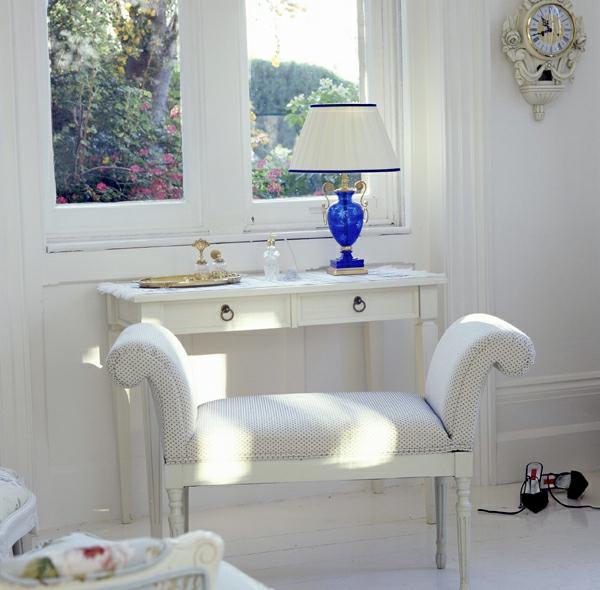 Make-Up-Tisch-weiße-möbel-nachtlampe