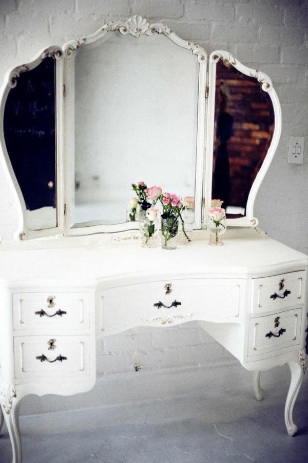 Make-Up-Tisch-weiße-spiegel