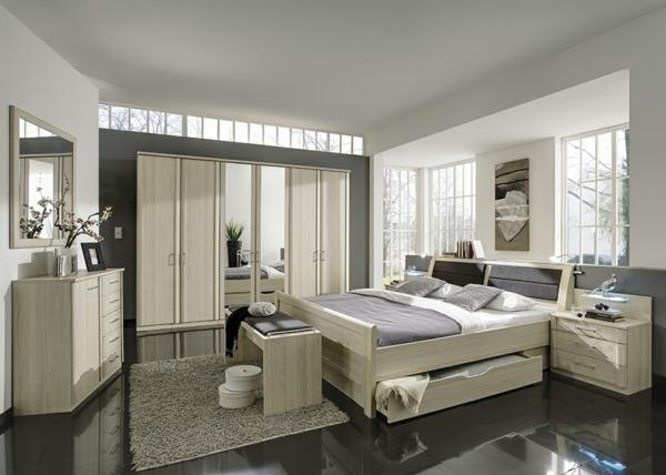 Schlafzimmerschranksysteme-in-cremeweiß-und-spiegeltüren