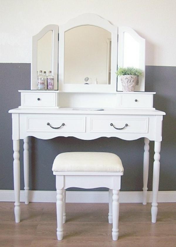 Schminkkommode-weiß-retro-stil-mit-weißem-stuhl