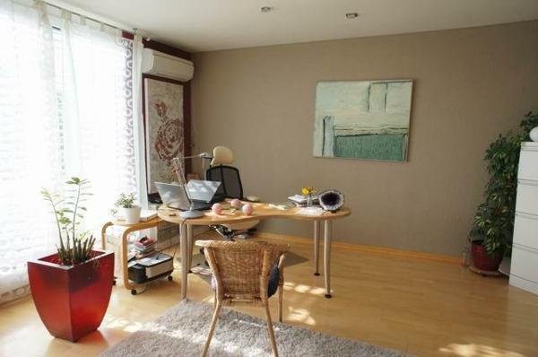 Schreibtisch-richtig-positionieren-nach-feng-shui-einrichten