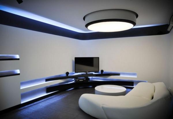 Sofa-und-Led - Bettleuchte-im schlfzimmer