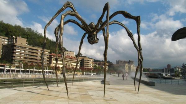 Spinnenskulptur_Guggenheim_Bilbao-interessantes bild