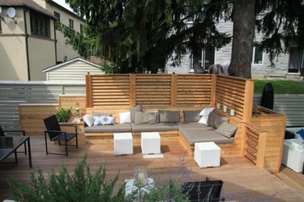 25 urban terrassengestaltung beispiele for Kleines weisses tischchen