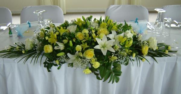 Tischgestecke-für-Hochzeit-organisieren