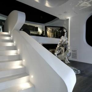 Weiße Treppen - schlichte und minimalistische Einheit!