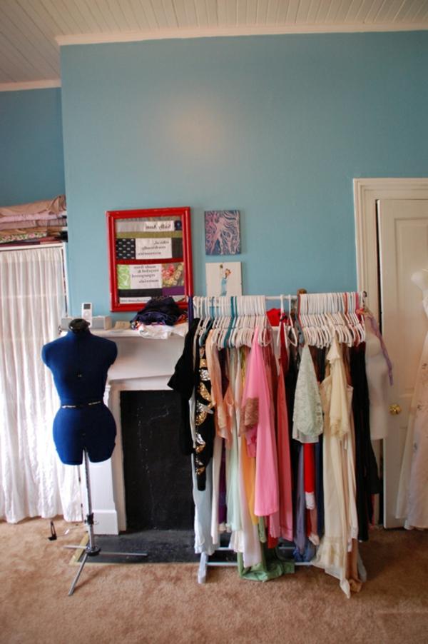ankleidezimmer-planen-wohnzimmer-blau
