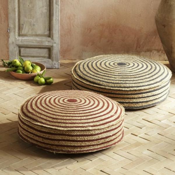 arabische-möbel-zwei-runde-sitzkissen-gestaltung in beige farbe