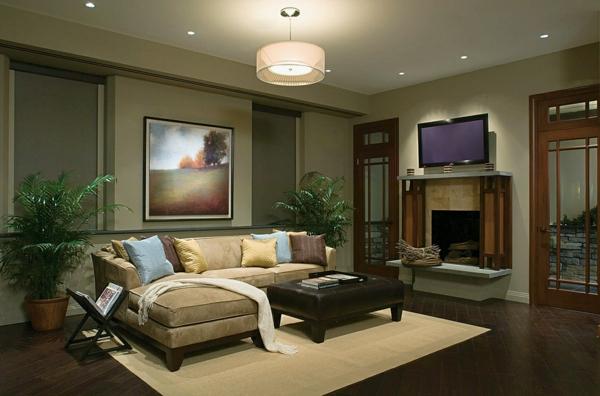 Wohnzimmer Mit Einem Schnen Sofa Und Zwei Grne Pflanzen Auf Den Beiden Seiten