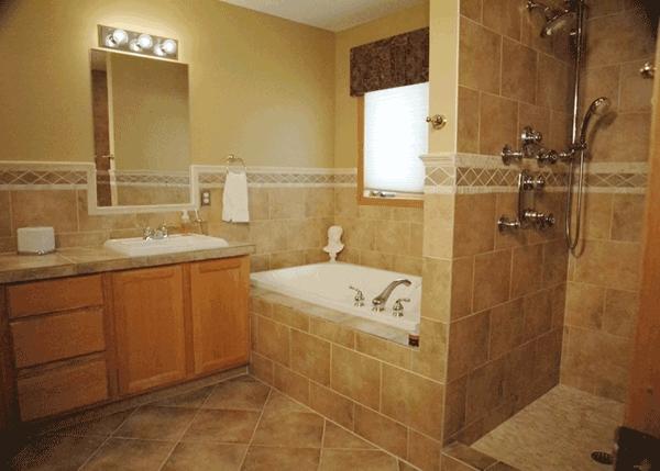 badewanne-einbau-beige wände im badezimmer
