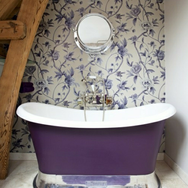 Abwaschbare Tapete Wie Reinigen : Badezimmer mit Tapeten in lila und wei? tapezieren