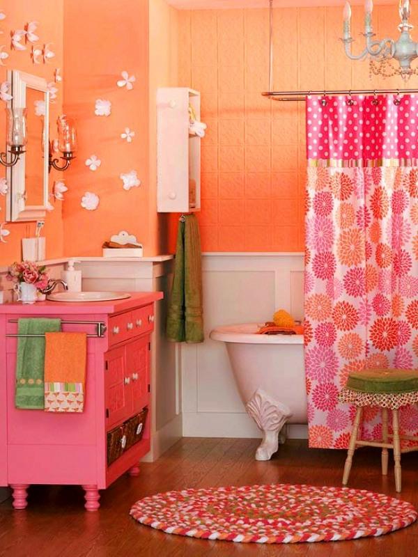 badezimmergestaltung-ideen-orange-rosa-blumig