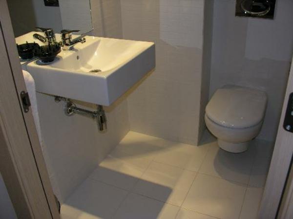 badezimmergestaltung-sehr-kleines-bad