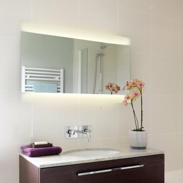badezimmerleuchten-moderne-gestaltung-orchideen daneben als dekoration