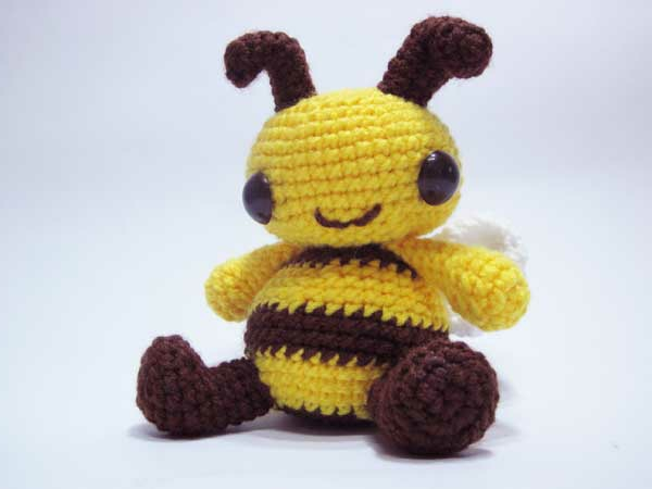 Kleine Tiere häkeln – ist das nicht die charmanteste Biene der Welt ...