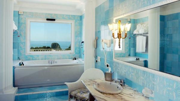 Blaue Bodenfliesen Helles Badezimmer 3