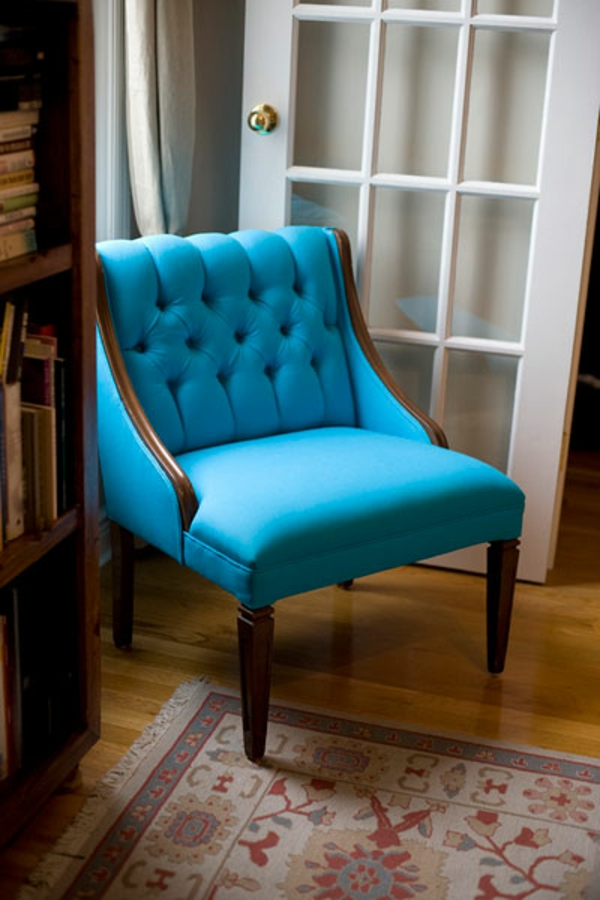 blaue st hle und sessel eine moderne design entscheidung. Black Bedroom Furniture Sets. Home Design Ideas