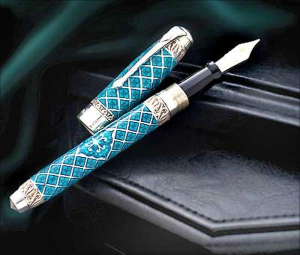 blauer-hochwertiger-kugelschreiber-super aussehen