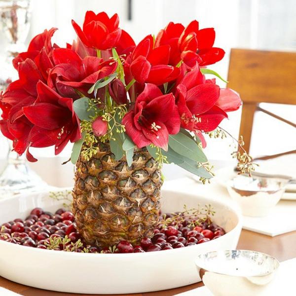 blumen-für-tischdeko-benutzen- eine ananas  benutzen