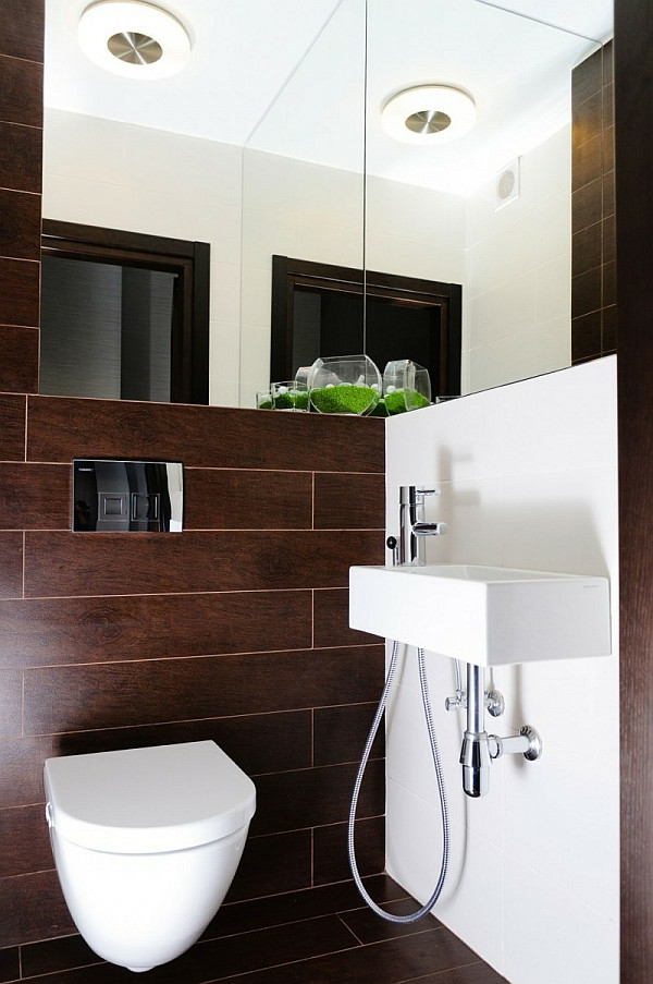 braune-möbel-badezimmer-mit-weiß