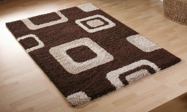 Einrichten mit Farben : Braune Möbel und Wände für Erdverbundenheit