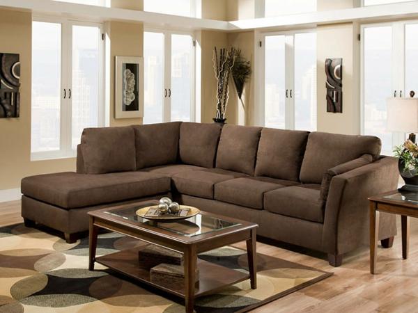 braunes-sofa-wohnzimmer-kaffee