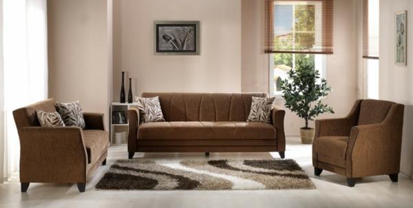 braunes-sofa-wohnzimmer-pflanzen