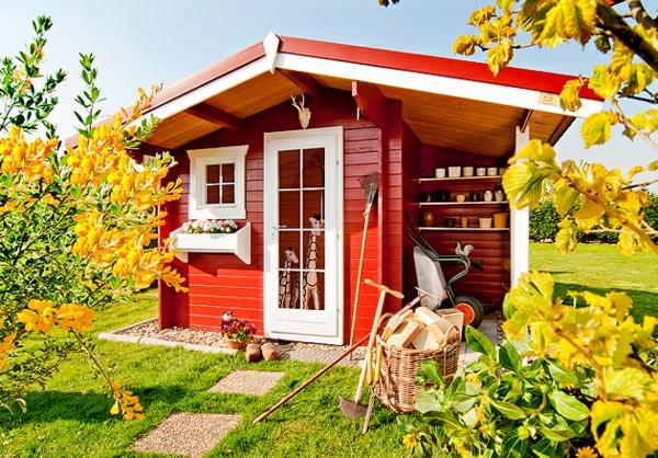 bunte -gartenhäuser-rote-farbe- gelbe pflanzen