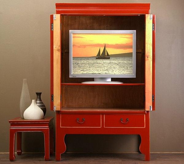 ein-roter-chinesischer-hochzeitsschrank-ein-fernseher-darin- sehr interessant aussehen