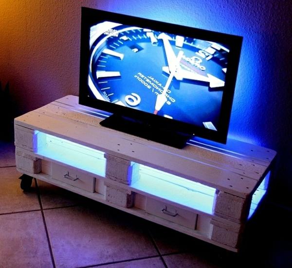 30 anwendungen der europaletten zu hause. Black Bedroom Furniture Sets. Home Design Ideas