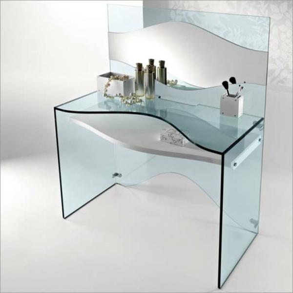 extravagantes-design-vom-computertisch-aus-glas-tisch zum schminken