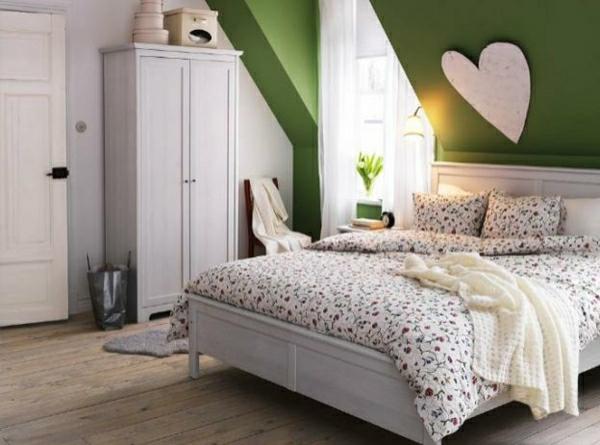 farbideen-für-schlafzimmer-gesättigte-farbe-grün