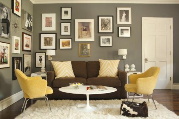farbideen-für-wohnzimmer-graue-wand-weißer-teppich-gelbe-kissen