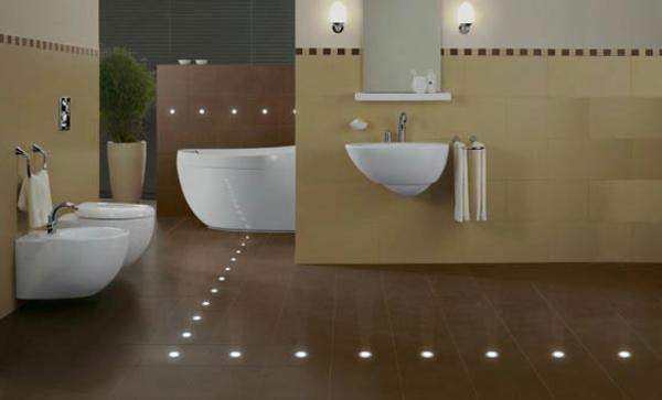 fliesen-mit-licht-im-badezimmer-moderne gestaltung für ein großes bad