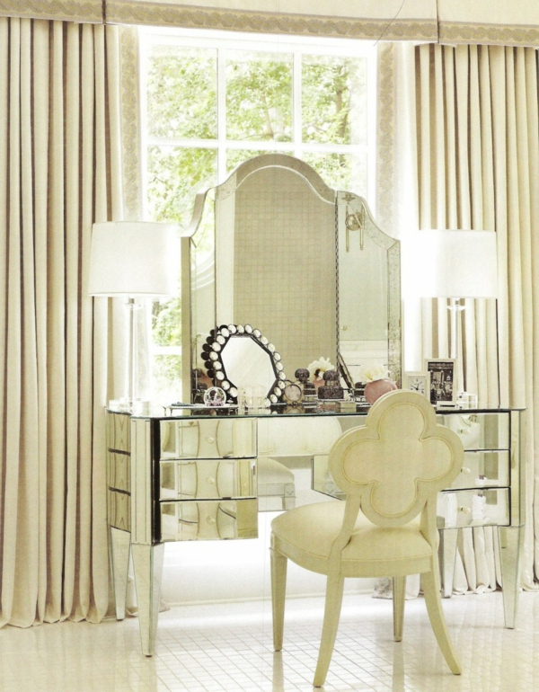 furniture-enchanting-makeup-vanity-stools-and-table-with-luxury-folding-mirror-and-white-desk-lamp-ideas-excellent-makeup-vanity-stools-design-furniture-924x1187