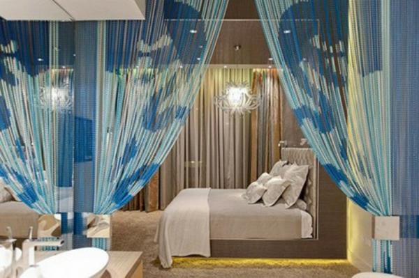 gardinen-dekorationsvorschläge-blaue-farbe-super schönes schlafzimmer