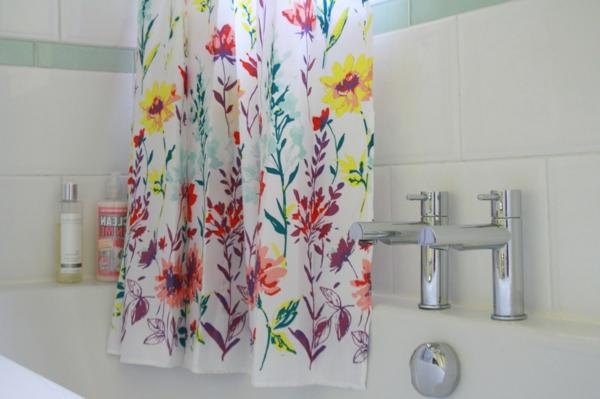 30 gardinenvorschl ge mit floral motiven. Black Bedroom Furniture Sets. Home Design Ideas