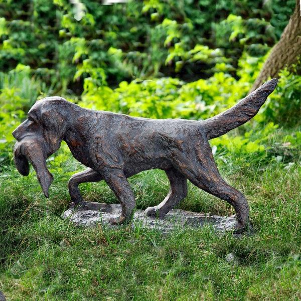 gartenfiguren-tiere-jagerhund
