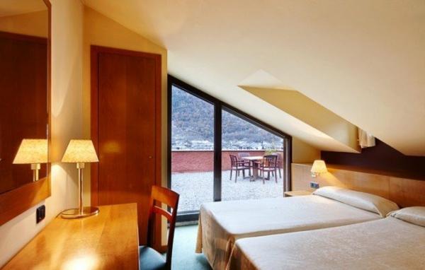 ein schlafzimmer einrichten ~ kreative deko-ideen und innenarchitektur - Dachgeschoss Schlafzimmer Einrichten