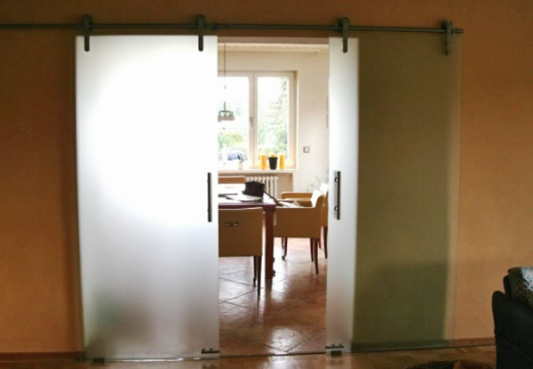 gläserne-hochwertige-innentüre-elegante-gestaltung für eine elegante wohnung