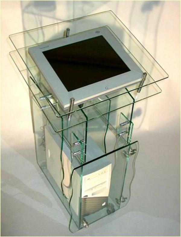 glas-computertisch-sehr-moderne gestaltung