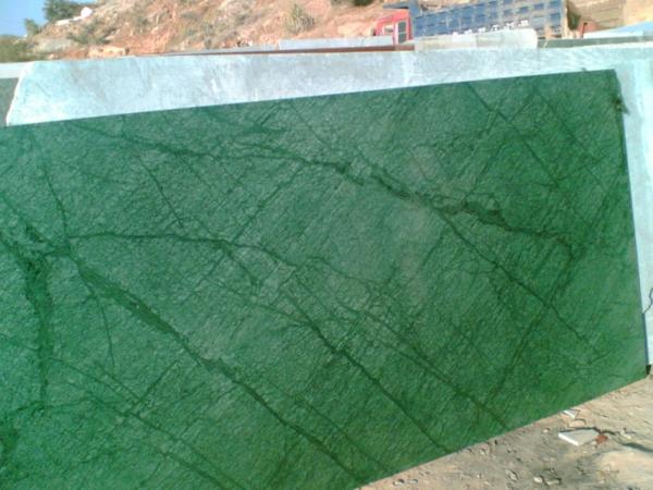grüner-marmor-interessantes-foto- schöne gestaltung