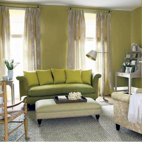 grünes-wohnzimmer-modern-gestalten- schöne gardinen