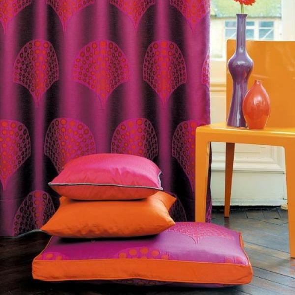 grelle-farben-für-orientalische-sitzkissen-interessante grelle gardinen