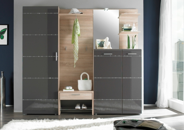 ein h ngender schuhschrank als praktische entscheidung. Black Bedroom Furniture Sets. Home Design Ideas