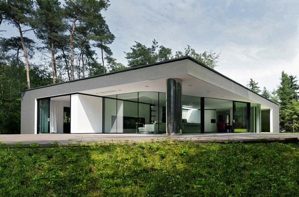 interessantes-design-modernes-glashaus- naturumgebung