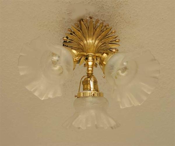 jugendstil-lampe-schön-aussehen- weiße lampen