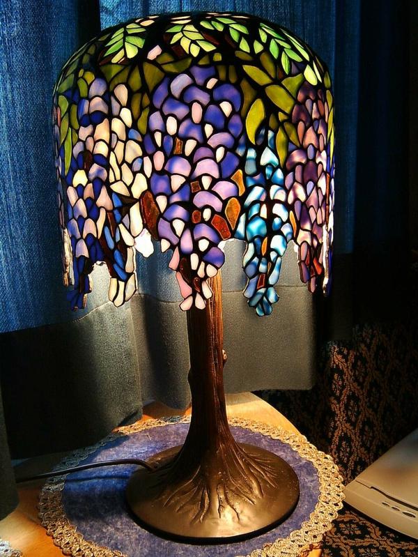 jugendstil-lampe-wunderschöne-struktur- bunte farben