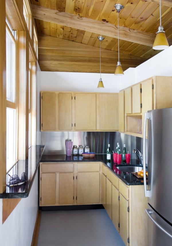küchenlösungen-für-kleine-küchen-holzküche-holzschränke